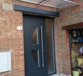 Porte d'entrée aluminium réalisé par Menuisal à Templeuve prés de Lille