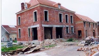 Implantation de menuiserie aluminium pour une extension de maison par MENUISAL