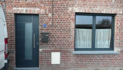 Porte d'entrée et fenêtre réalisé par Menuisal à Bachy prés de Lille
